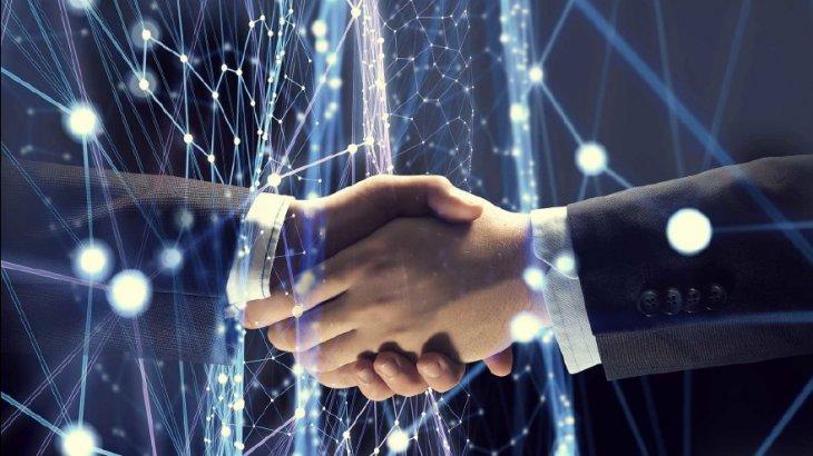قرارداد هوشمند ترکیبی یا هیبریدی چیست و کاربرد آن در بلاکچین